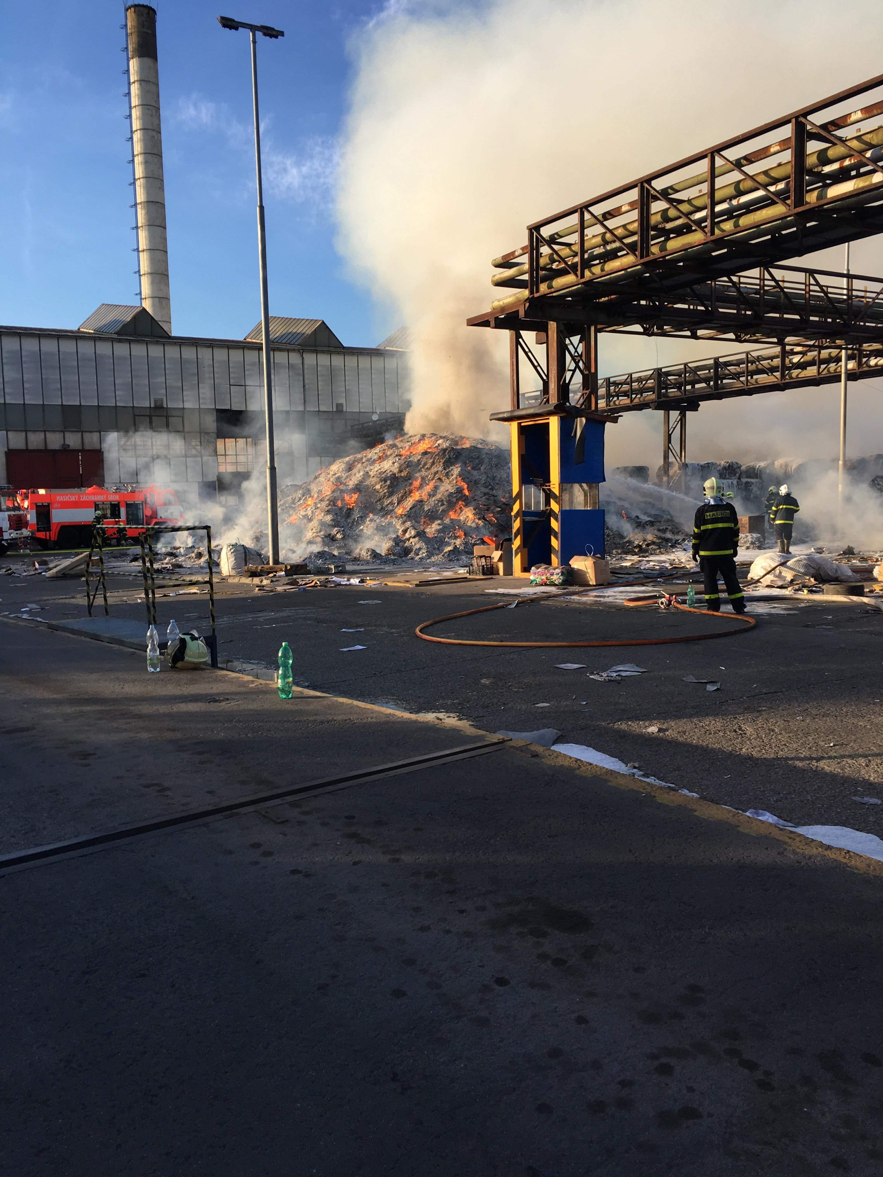 Požár ve firmě FCC ČR